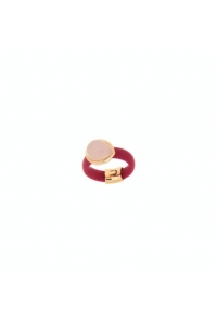 Anillo de plata dorado, piedras y caucho rosa, de Terero.