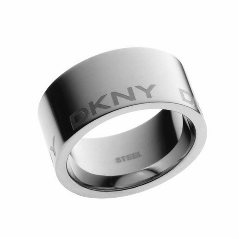 Anillo ancho de acero DKNY para mujer con logo NJ14460405