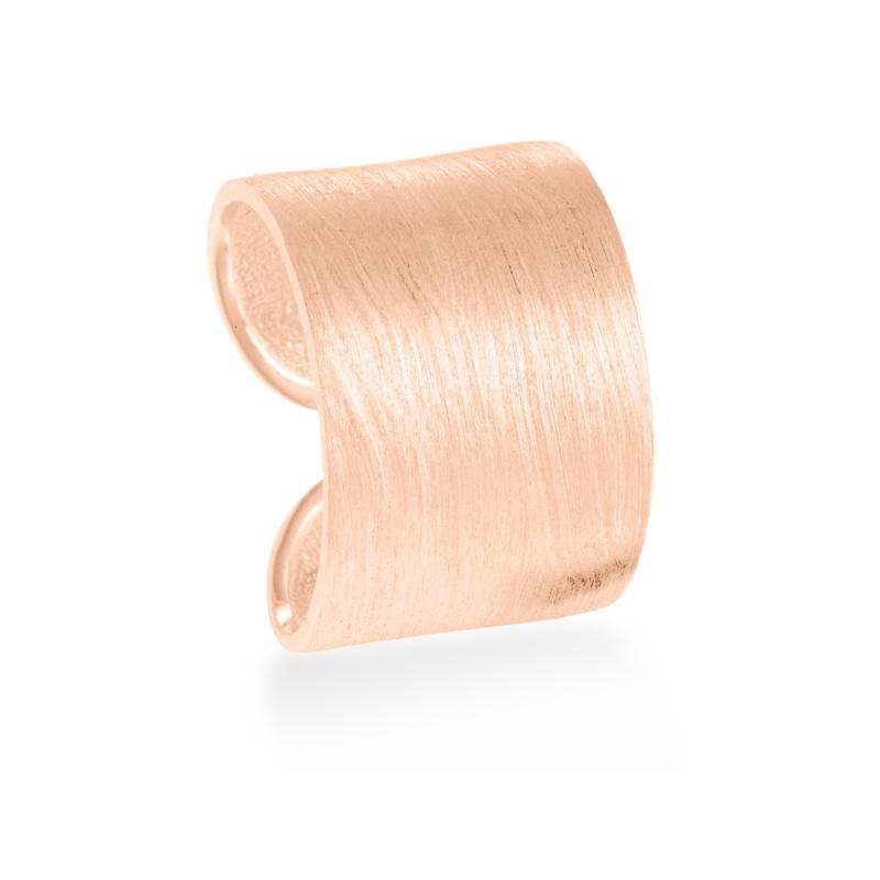 """Anillo ancho de plata dorada en oro rosa, matizado, """"Sarila"""" de Luxenter."""