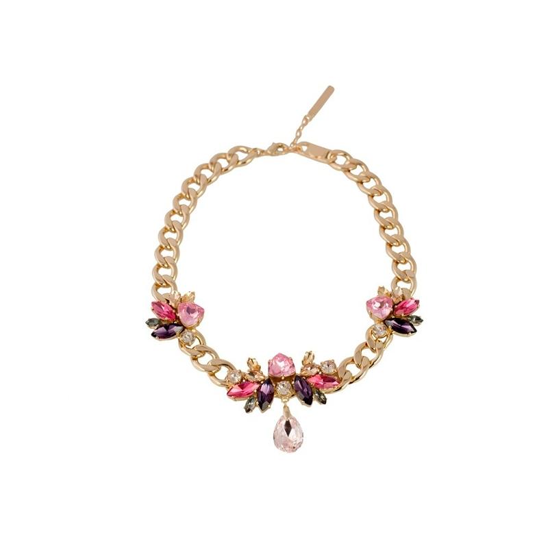 "Collar dorado de eslabones con cristales en tonos rosado, ""Butterfly"" de Luxenter para Hannibal Laguna."