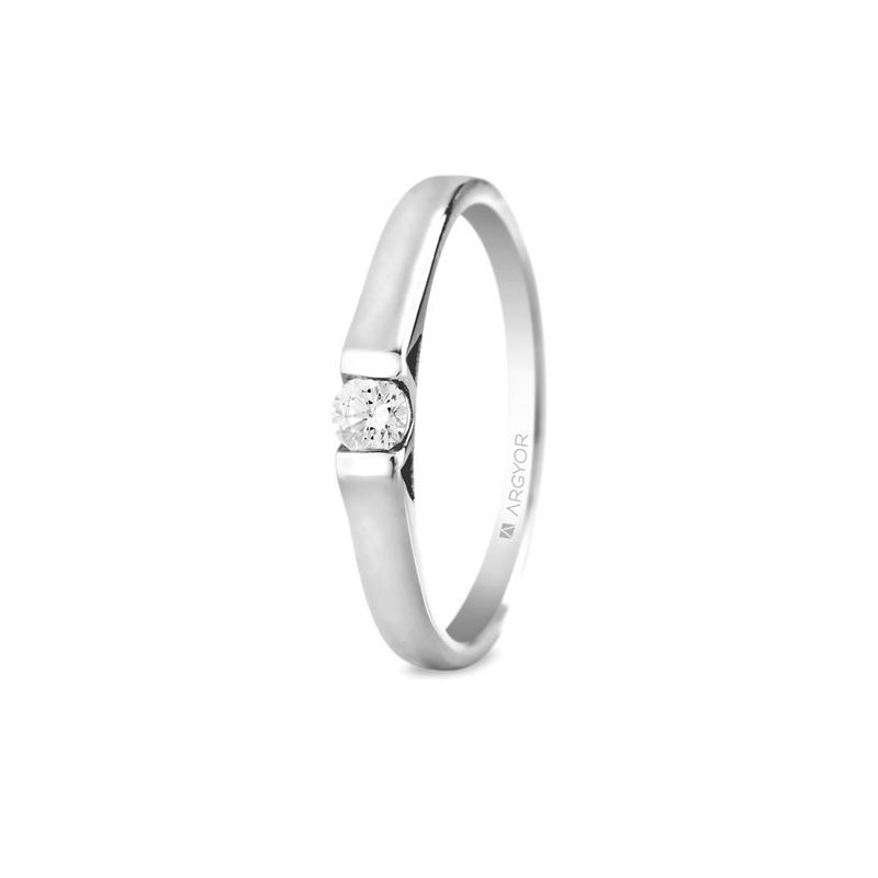 Solitario de oro blanco con diamante de 0,10 quilates, de Argyor Compromiso.