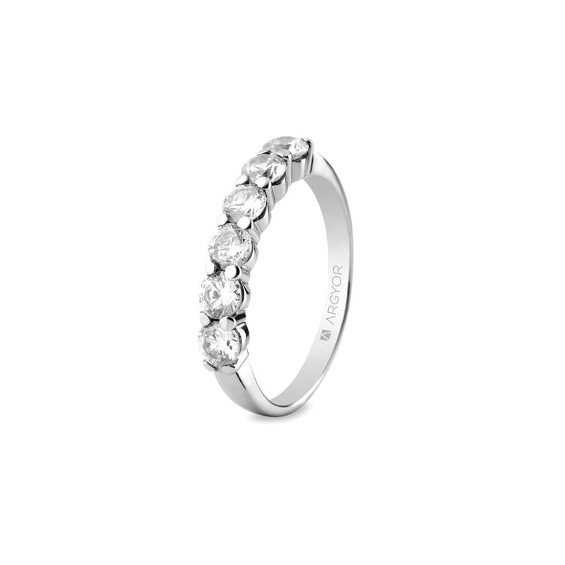 Media alianza de oro blanco con 6 diamantes, peso total de 1 ct., de Argyor Compromiso.