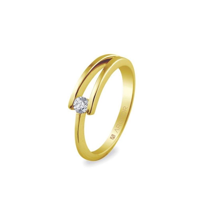 f372d2efc49f Anillo de oro amarillo con diamante de 0