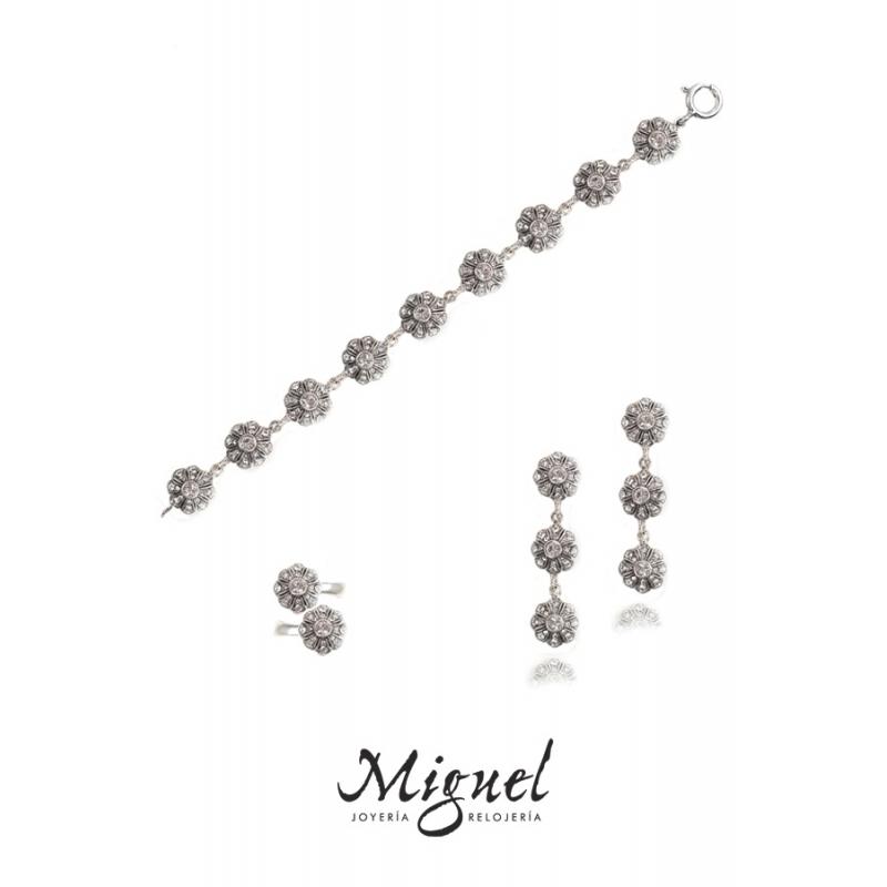 Conjunto de plata envejecida para novia, de Antara.